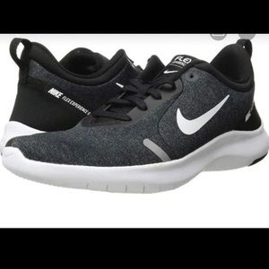 Nike: Flex Experience 8 (size11)